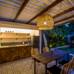 chilli bali villa canggu pererenan wood house ubytovani vacation
